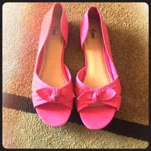 Pink flat in good condition